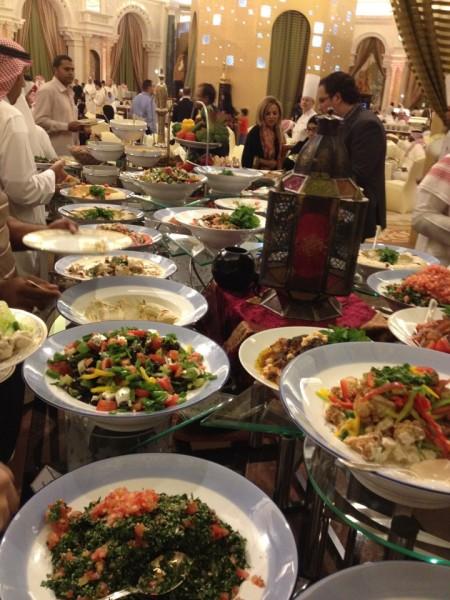 أفضل مطاعم الرياض بوفيه مفتوح أرقام عناوين منيو وكل ماتود